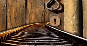 keyhole_track